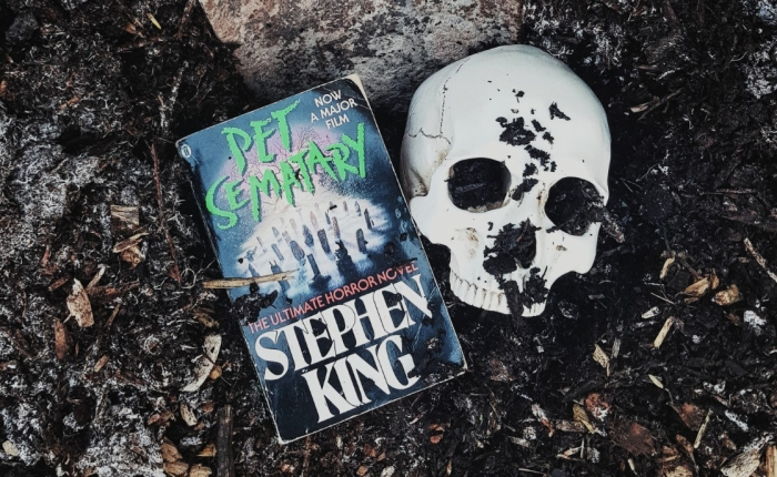 Book Review: Pet Semetery by StephenKing.
