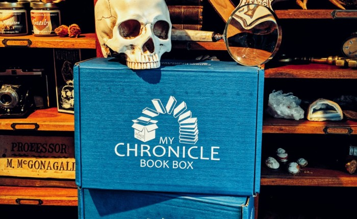 Unboxing: August Crime & Mystery My Chronicle Book Box.